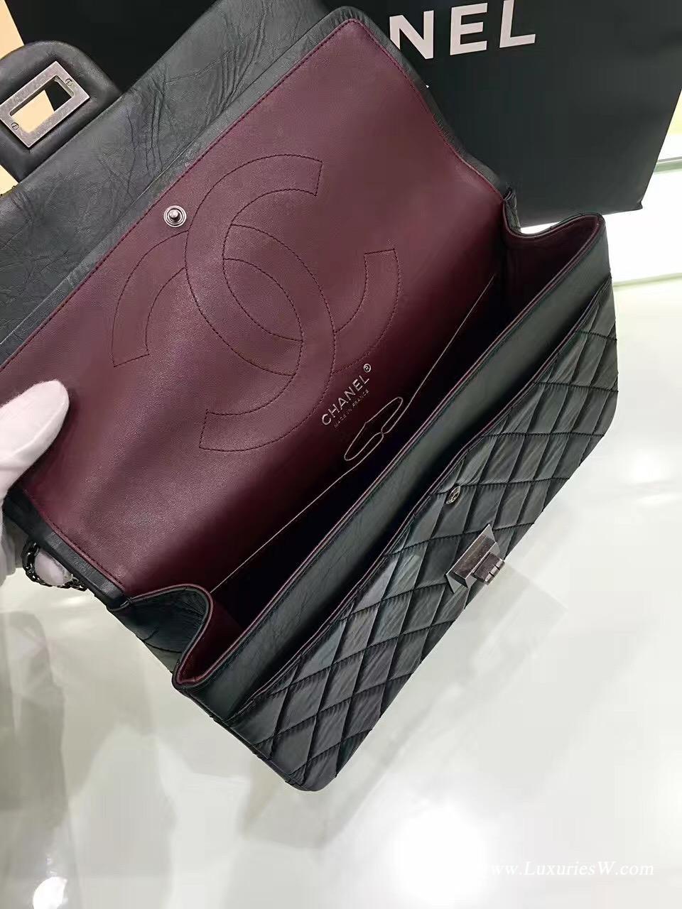 小香經典款大號Large 2.55 handbag口蓋包復古小牛皮 黑與酒紅