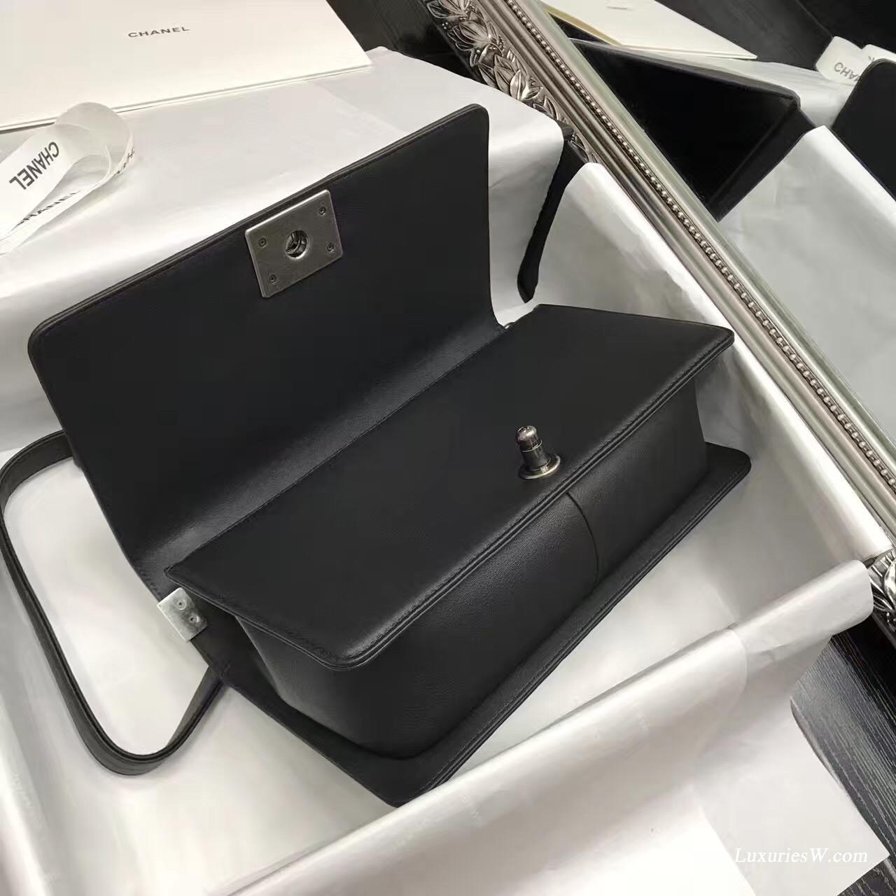 小香 Le boy bag 25cm 黑色胎牛皮V字型單肩鏈條包