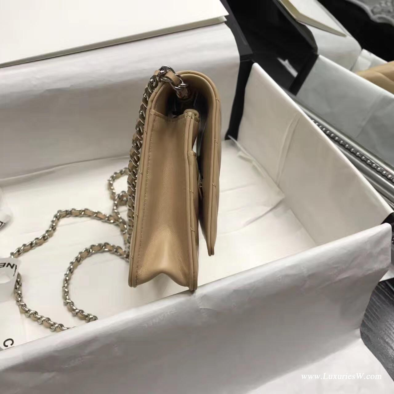 Wallet On Chain V型小羊皮經典款杏色 銀色五金