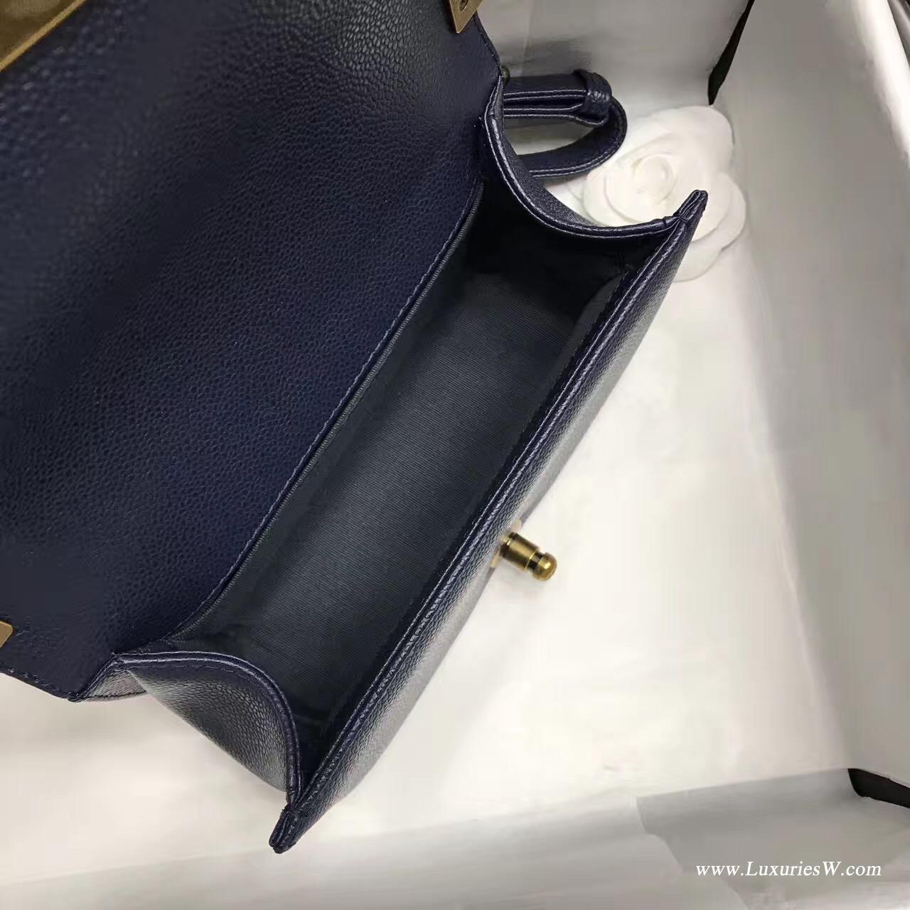 小香小號Leboy bag 20CM 口蓋包 海军蓝色魚子醬 顆粒壓花小牛皮與金色