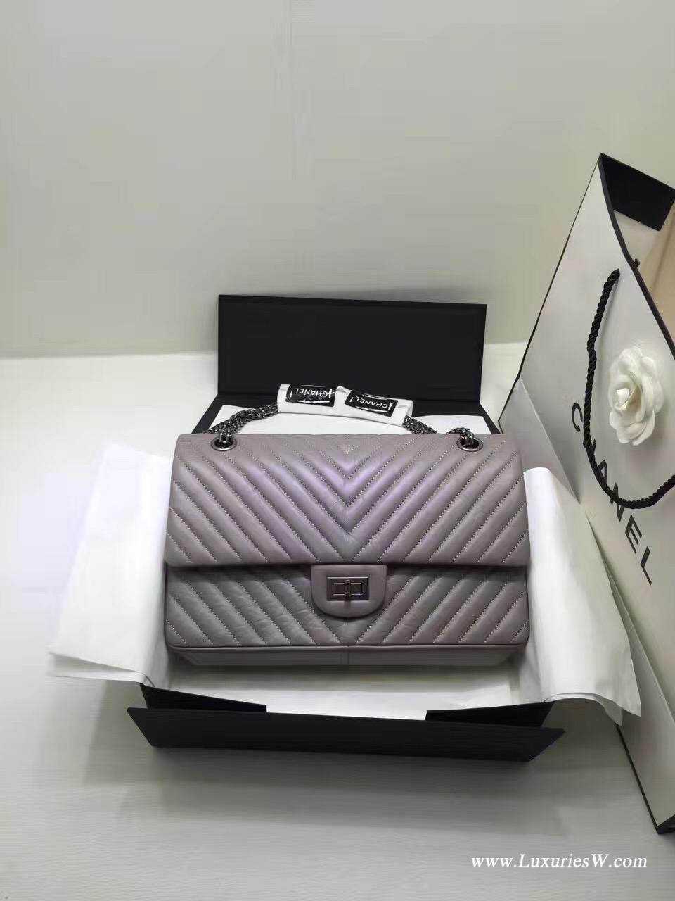 小香經典款女包大號Large 2.55 handbag 口蓋包V型復古小牛皮與釕色金屬灰色