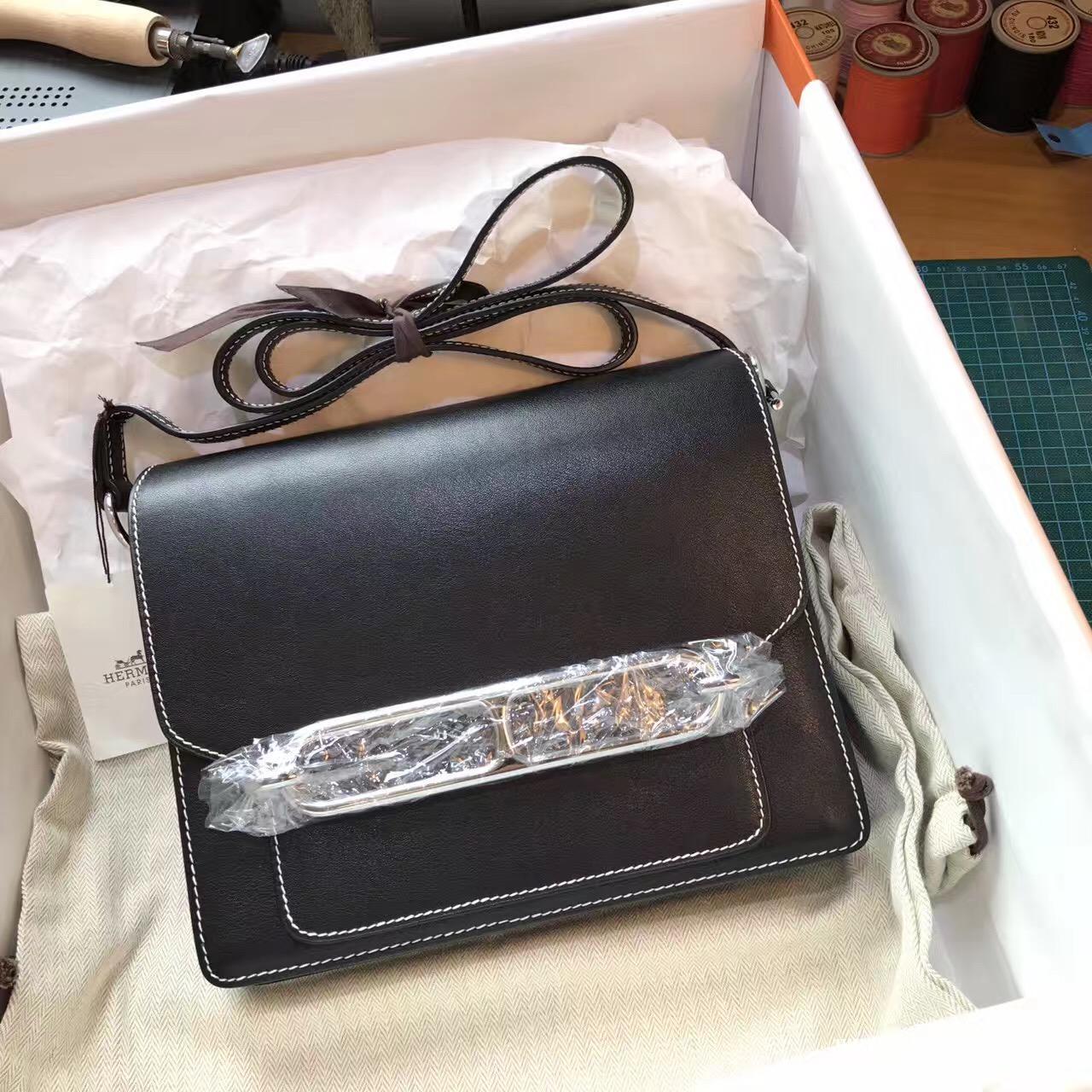 爱马仕最具线条感的包袋Roulis尺寸价格目录