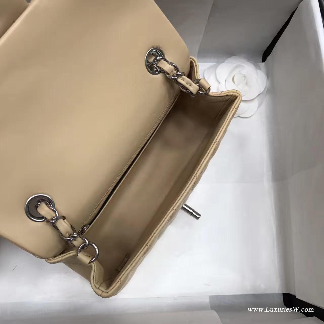 小香包 Mini Classic Flap bag杏色小羊皮菱格鏈條 口蓋包银色