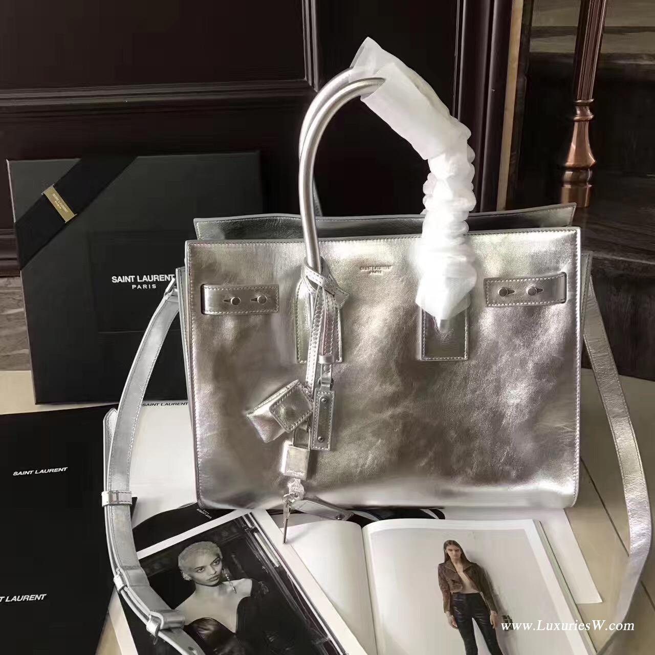YSL包包 大號sac de jour nano金屬銀SAINT LAURENT標誌真皮手提包