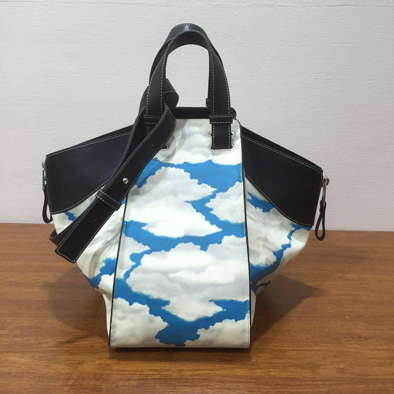 杨幂同款Loewe羅意威Hammock Bag 2017新款藍天白雲圖限量版