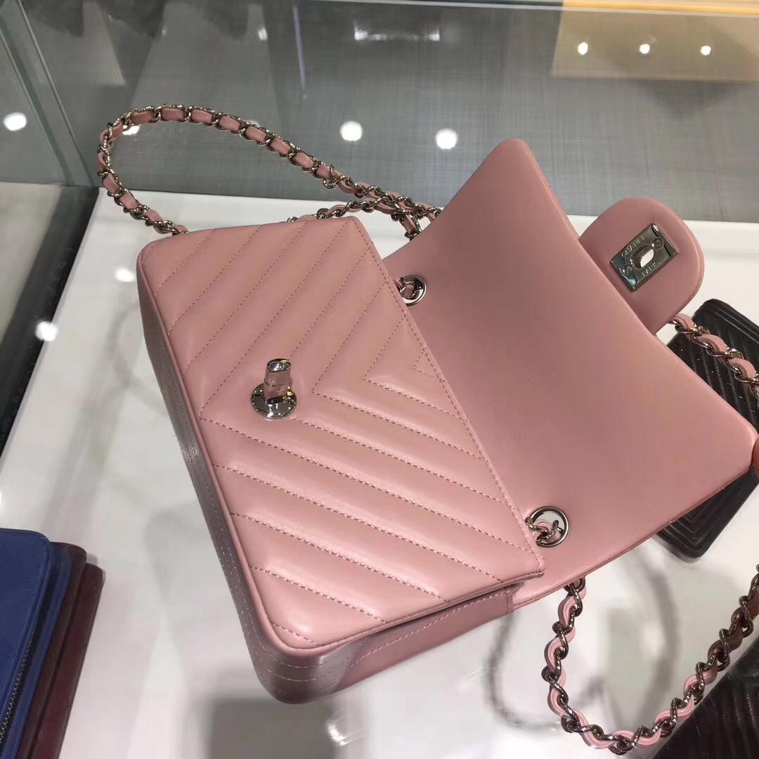 小香口蓋包Chane Classic Flap Bag 20cm原廠羊皮粉色 银色金屬鏈條