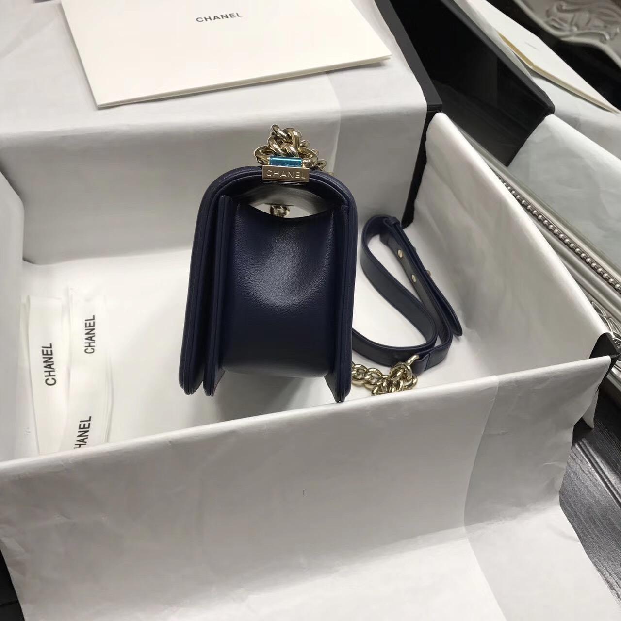 小香海軍藍色 LE BOY小號口蓋包香檳金屬五金 大V字繡形
