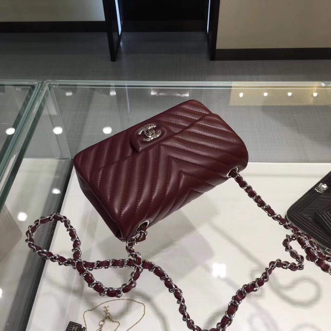 Chane Classic Flap Bag 20cm羊皮酒红色 V形縫線银链条金属