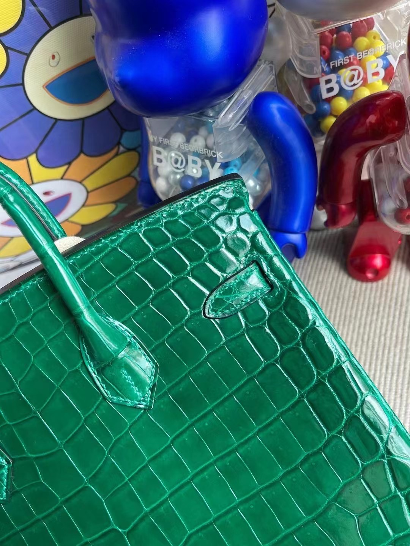 Wan Chai Hong Kong Hermes Birkin 25cm 6Q 翡翠綠 Very Emerald尼羅鱷魚
