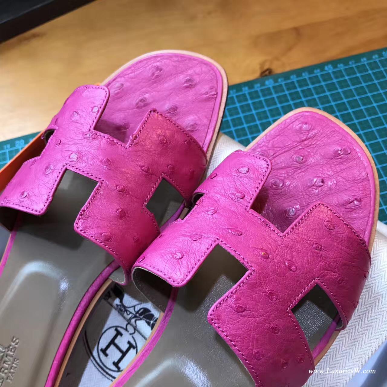 愛馬仕Hermes女士涼鞋 H型拖鞋 鴕鳥皮 E5 Rose Tyrien糖果粉色平底涼拖鞋
