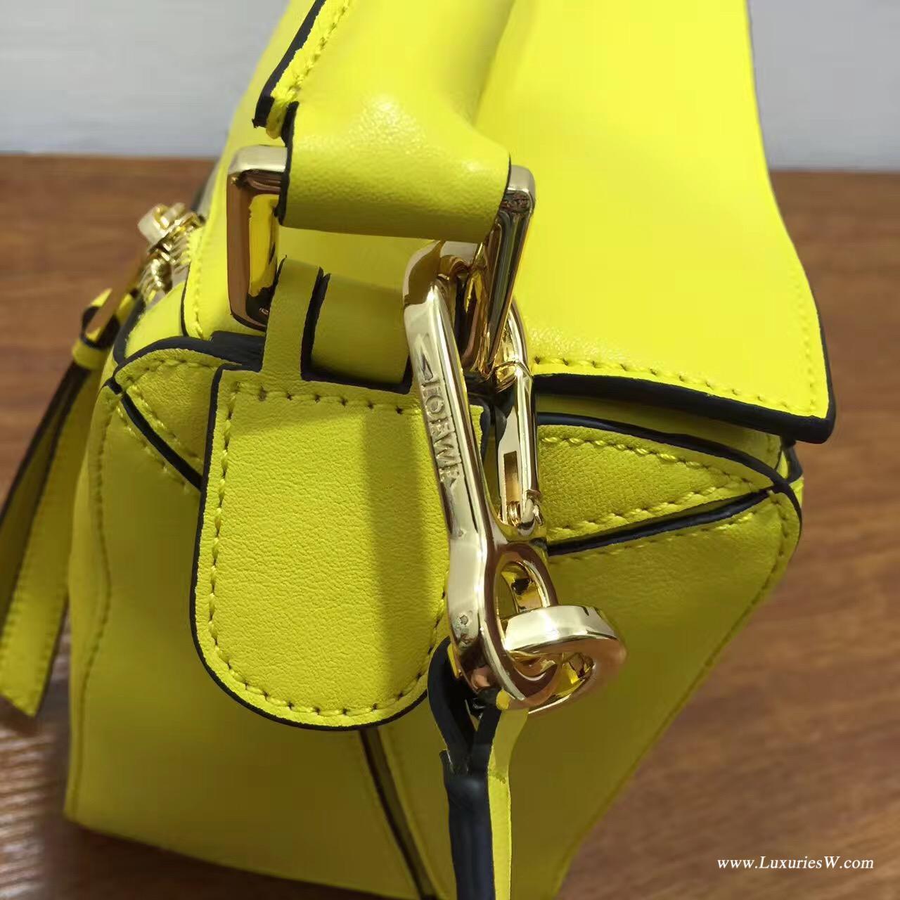 羅意威女包官網 LOEWE Mini Puzzle Bag 柠檬黄 長方體形狀 折疊幾何包