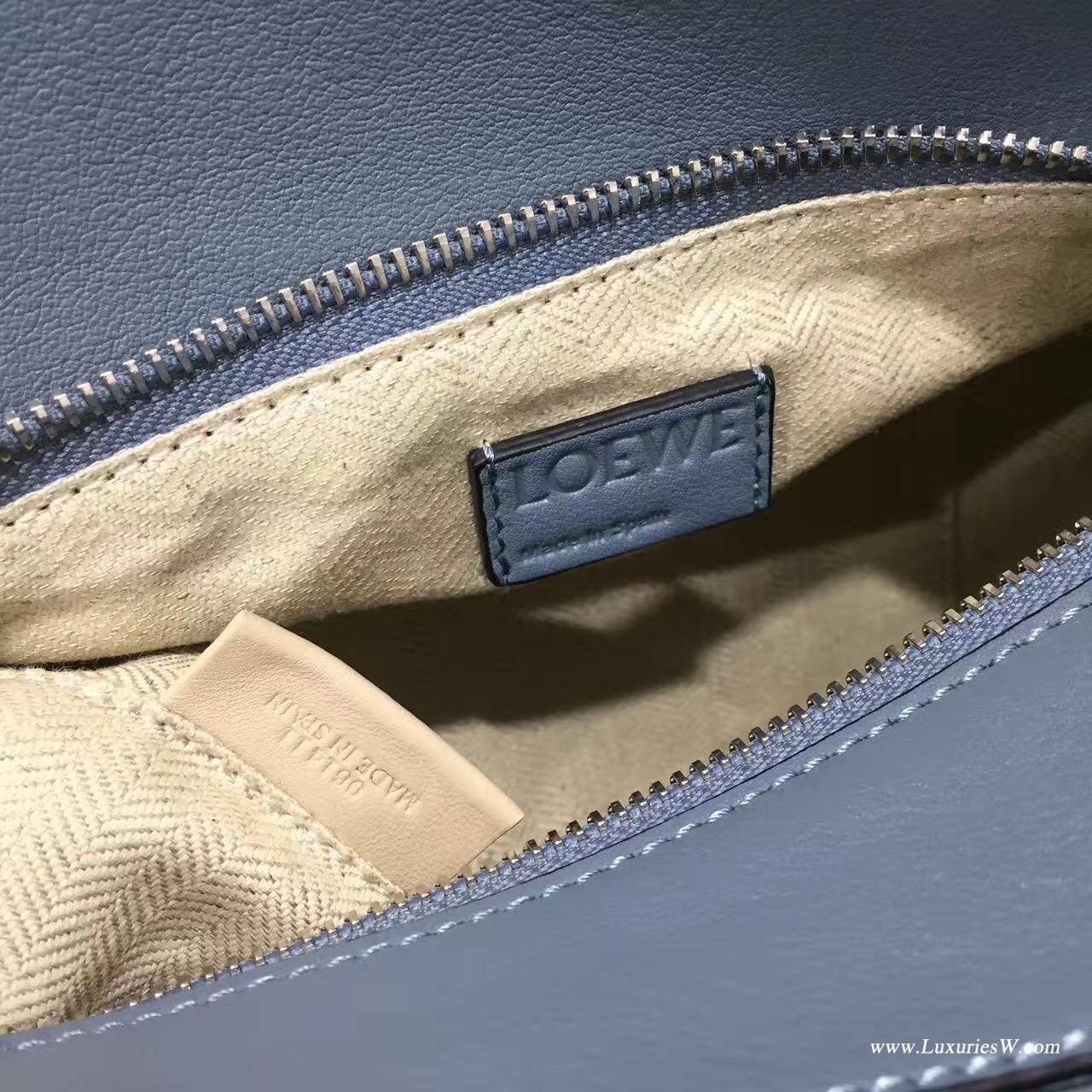 羅意威女包官網 LOEWE Mini Puzzle Bag 雾霾色 長方體形狀 折疊幾何包