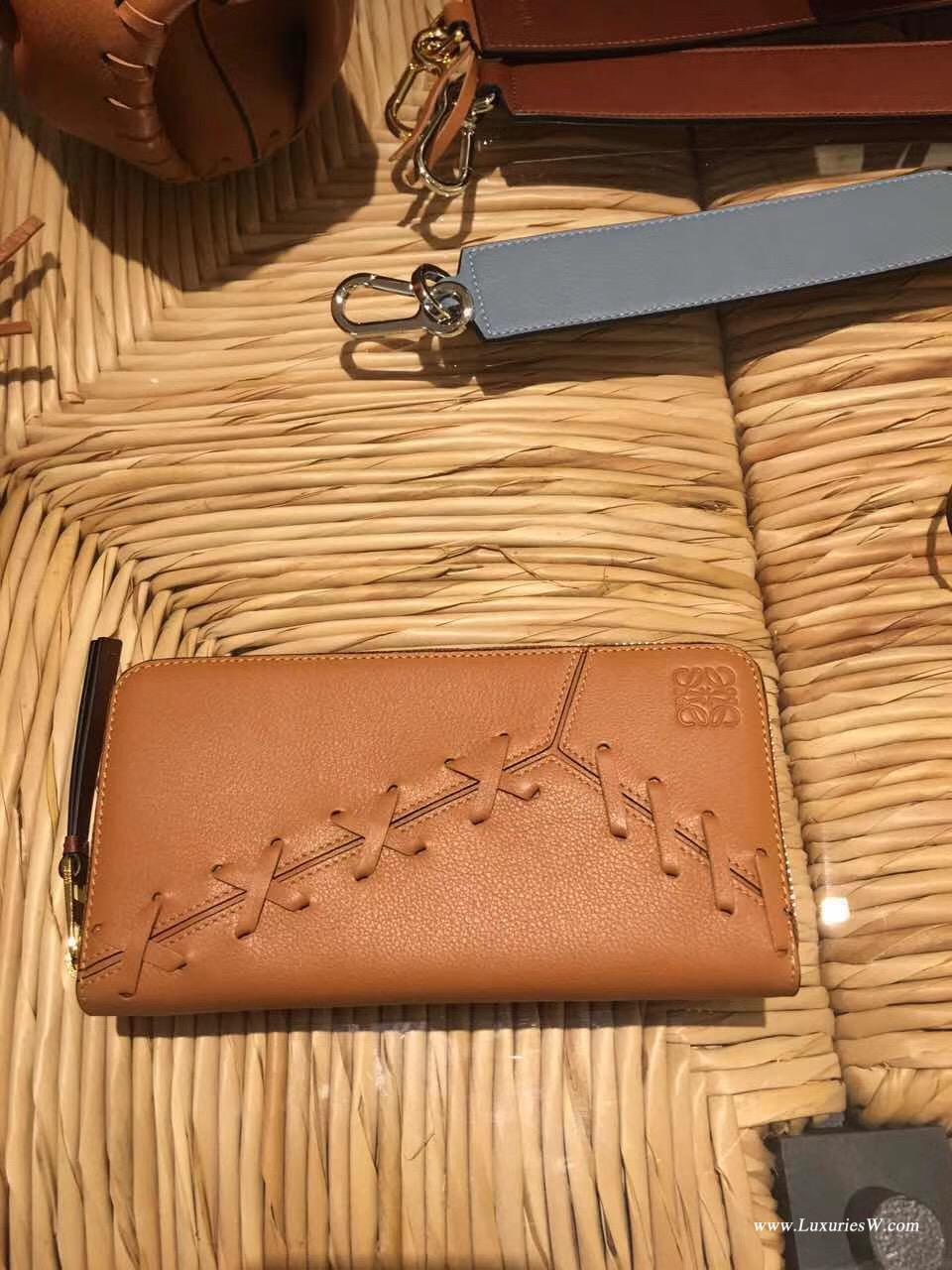 羅意威LOEWE 棕色 Puzzle編織纏繞系列 長款錢夾 采用多種優質牛皮