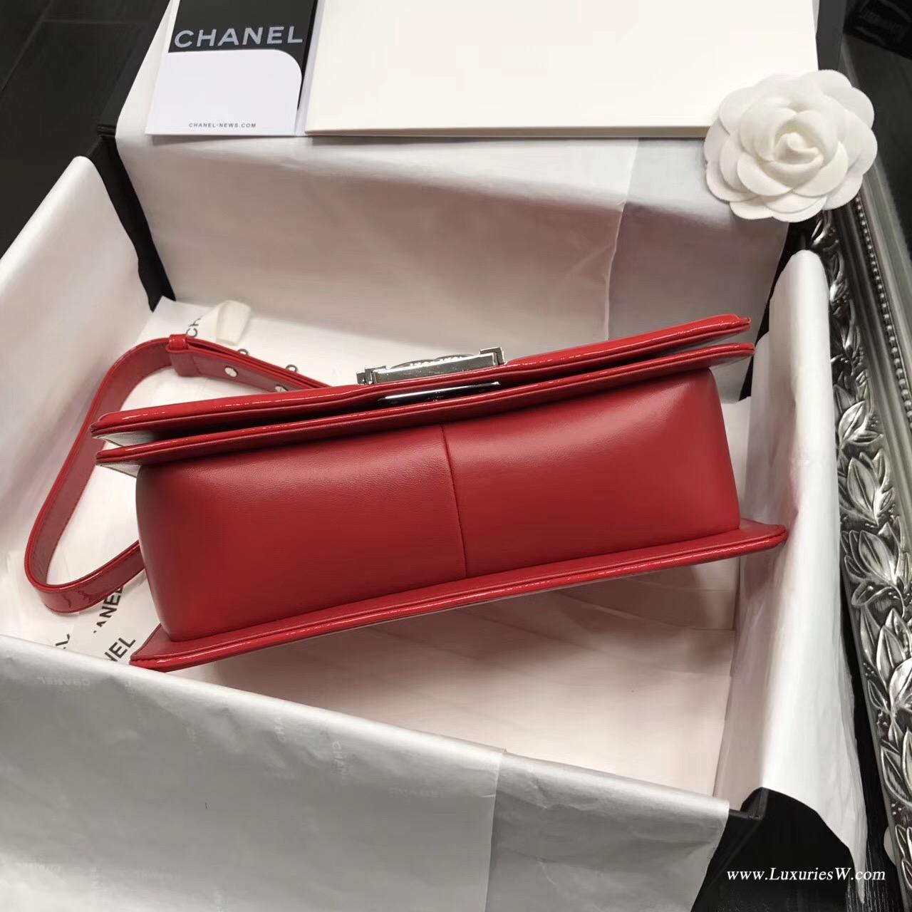 小香Le boy bag 25cm 漆皮紅色、進口漆牛皮配小羊皮單肩鏈條包