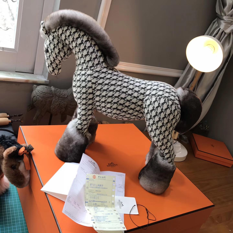 Hermes  秋冬最新絨馬 原材料定制 尾巴 馬蹄 灰色的貂皮毛