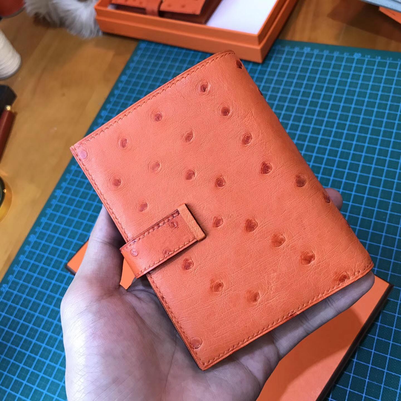 香港油尖旺區 Hermes Bearn 短款兩折鴕鳥皮錢包 CK93 Orange經典橙 金扣
