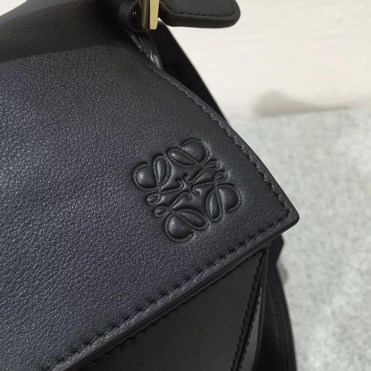 羅意威LOEWE Puzzle Bag 黑色 采用進口西班牙不同小牛皮質拼接