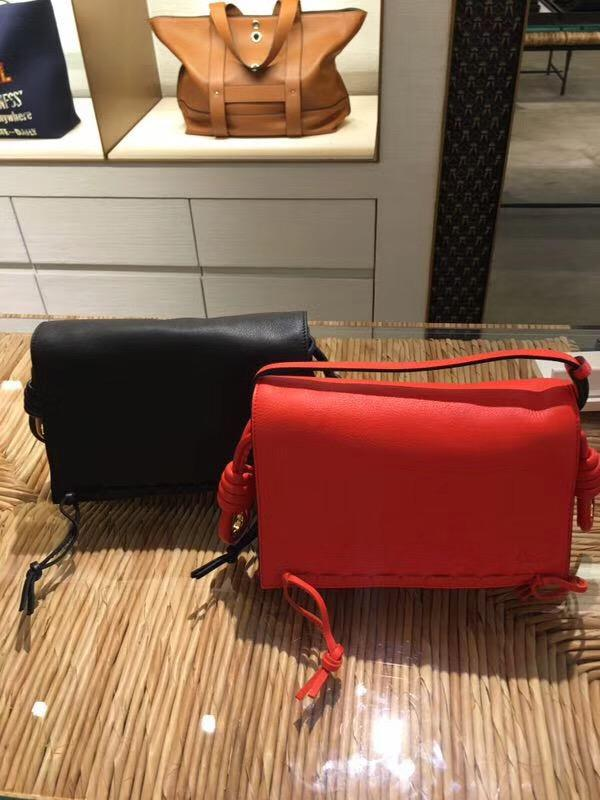 LOEWE羅意威女包 Flamenco Flap Laced Small Bag 黑色