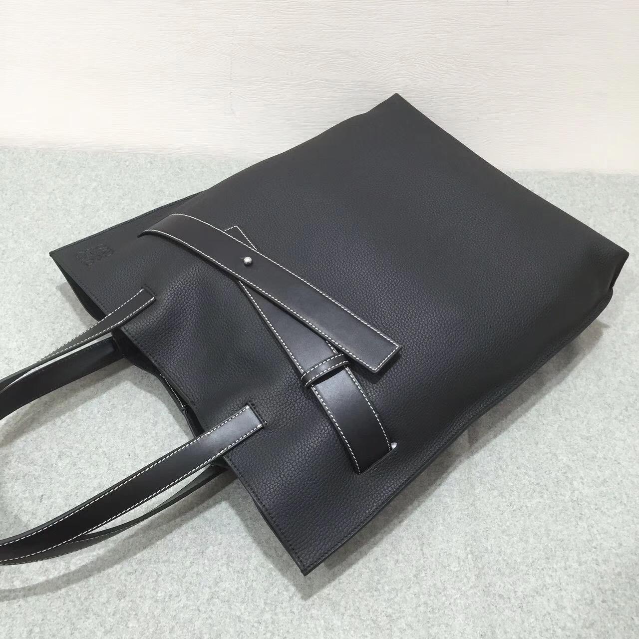 羅意威女包臺灣官網loewe Vertical Strap Tote Bag 黑色 粒面牛皮