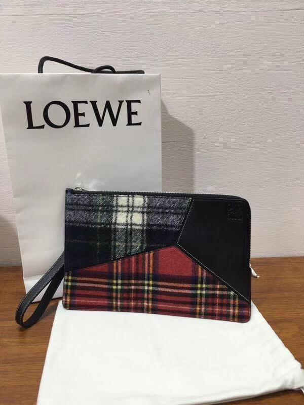 Loewe Puzzle Flat Pouch Black/Multicolor Tartan 花呢格紋圖