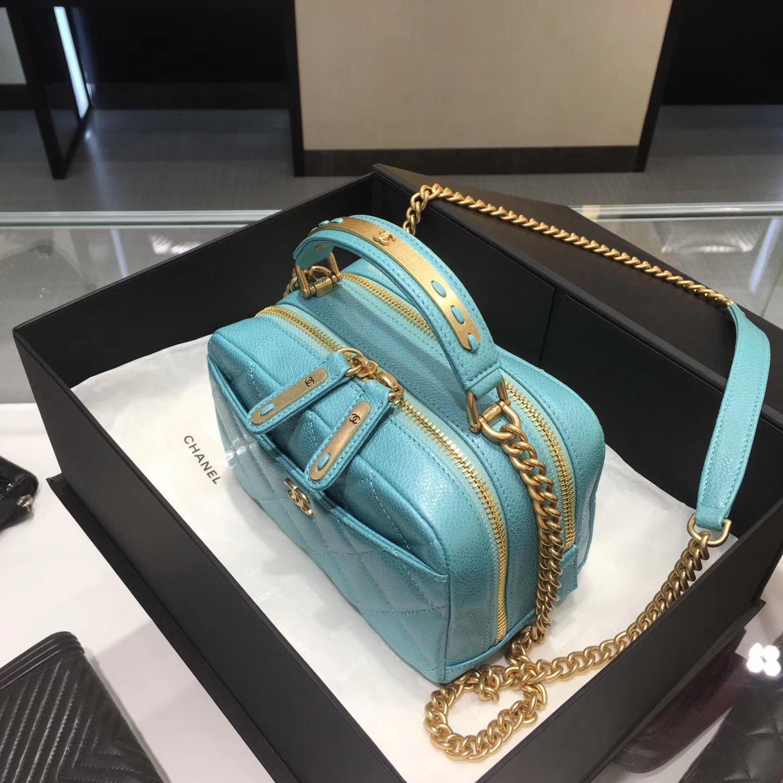 Chanel bowling bag 保齡球包 原廠 湖水藍 小牛皮魚子醬紋