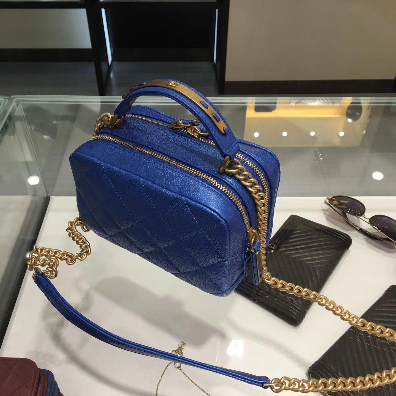 Chanel bowling bag 小號保齡球包原廠 藍色 小牛皮魚子醬紋