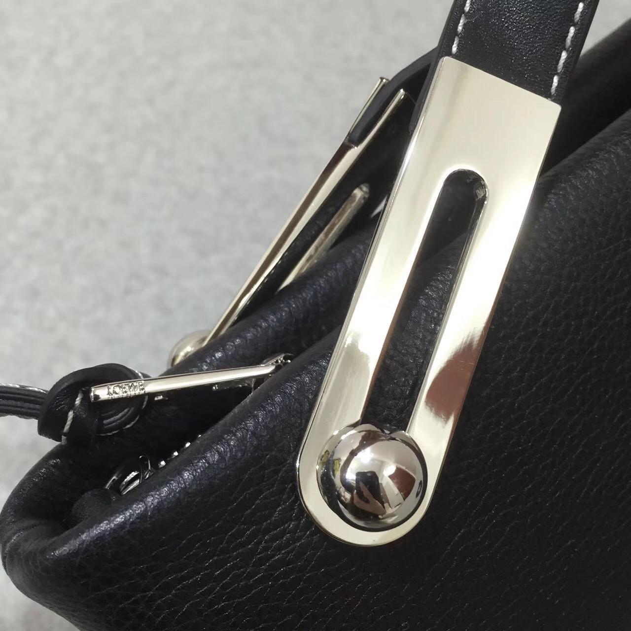 loewe羅意威 Missy Small Bag 軟顆粒小牛皮黑色 黃金麂皮襯裏T形