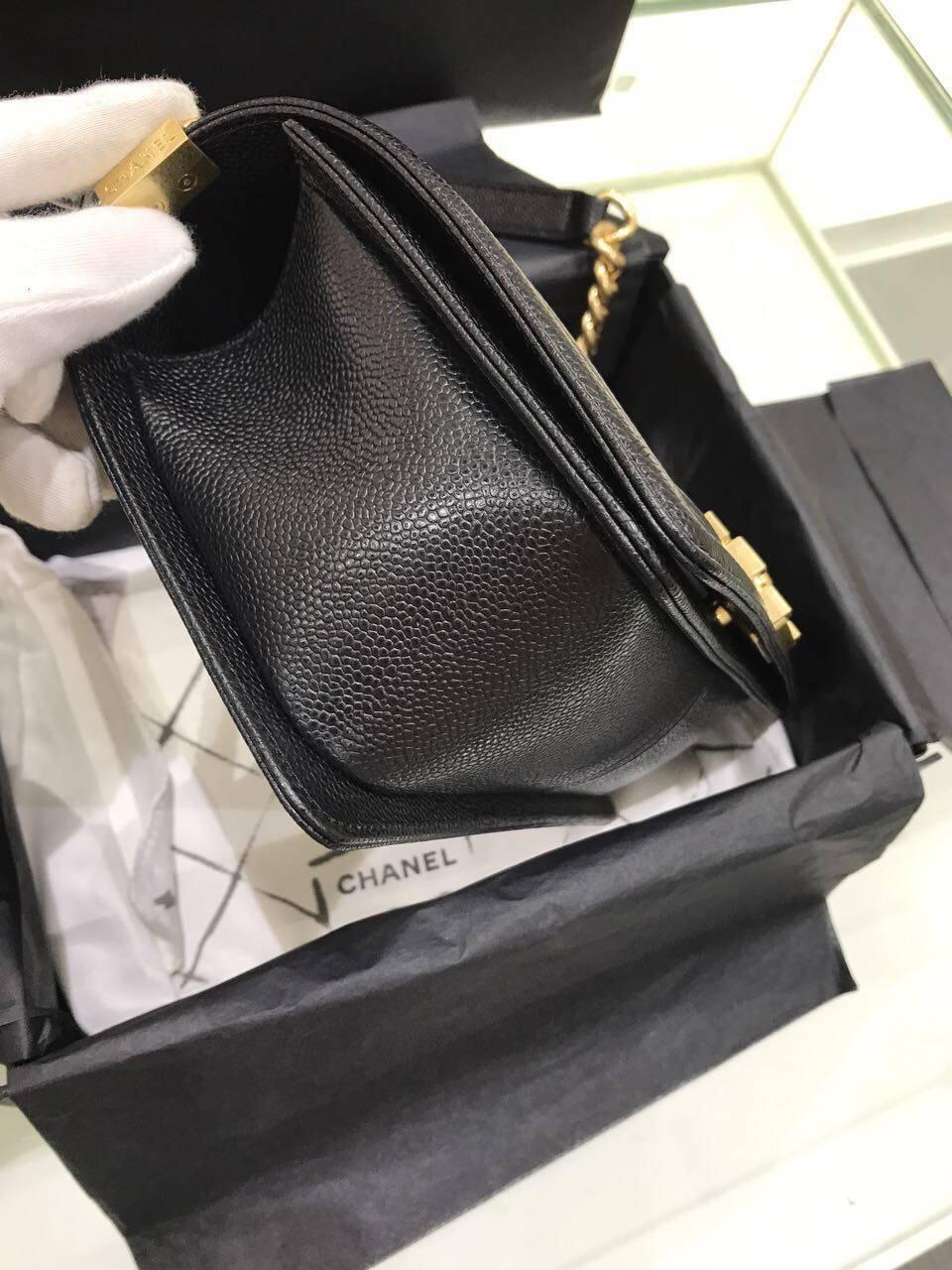 小香口盖包 Le boy bag 25cm 黑色金色金屬 魚子醬顆粒小牛皮