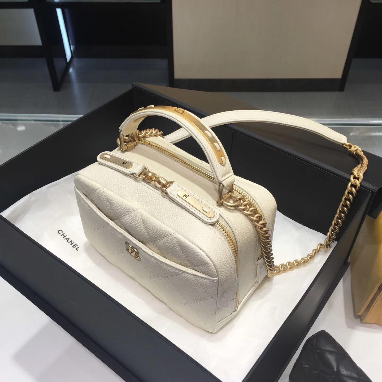 2017款 Chanel bowling bag 小牛皮魚子醬紋保齡球包