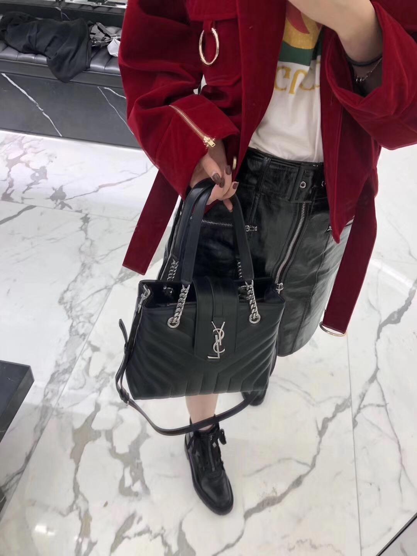 YSL LOULOU小號黑色Y形絎縫真皮購物袋,MONOGRAMME SAINT LAURENT