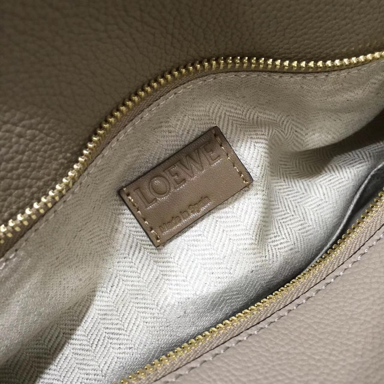 Loewe羅意威中號顆粒小牛皮 Puzzle Bag Sand/Mink Colour