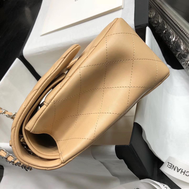 Chane. Classic Flap Bag A58600大號經典口蓋包 杏色小羊皮