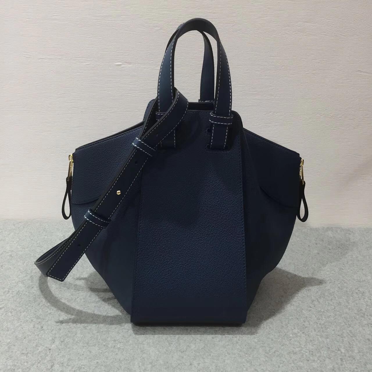 Loewe羅意威 Hammock Small Bag 顆粒小牛皮 靛藍色吊床包