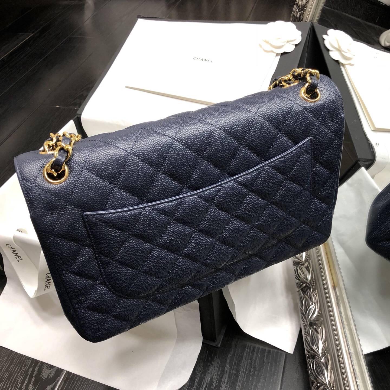 Chane.' Classic Flap Bag A58600大號口蓋包 海軍藍色顆粒小牛皮
