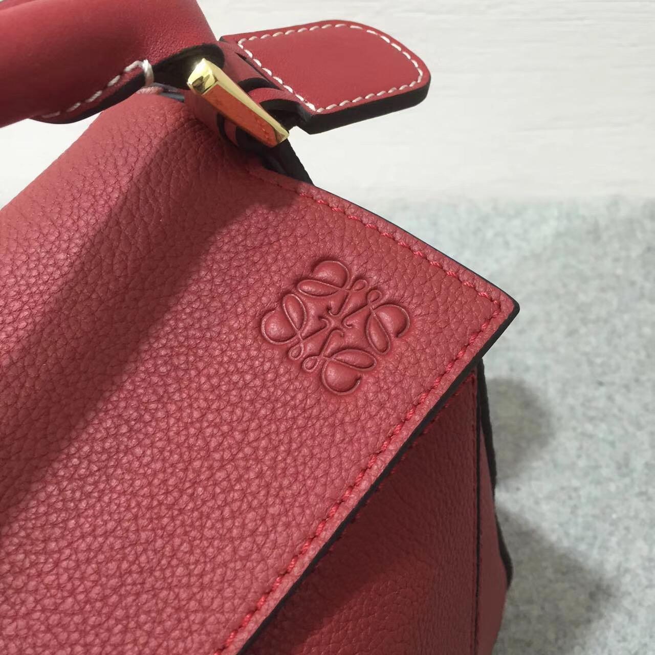 Loewe羅意威小號 Puzzle Small Bag 胭脂红顆粒小牛皮