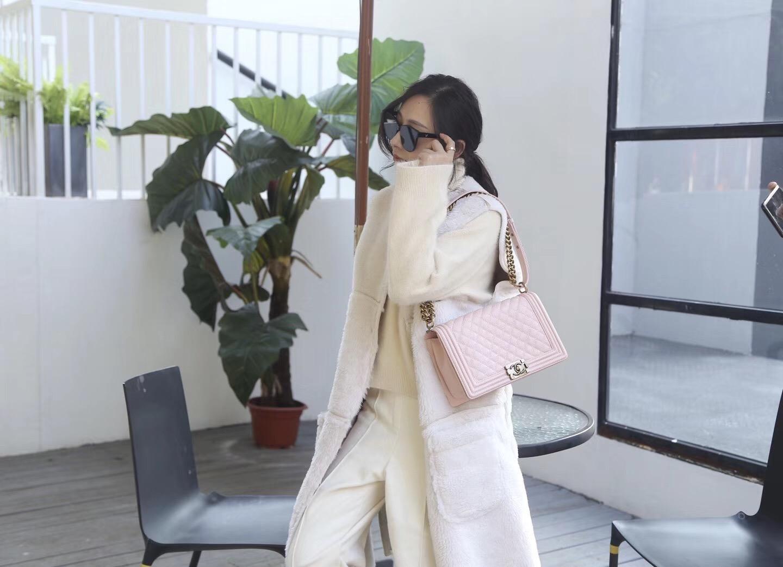 Chane.中號Large Le boy bag handbag 28cm 口蓋包 粉色魚子醬