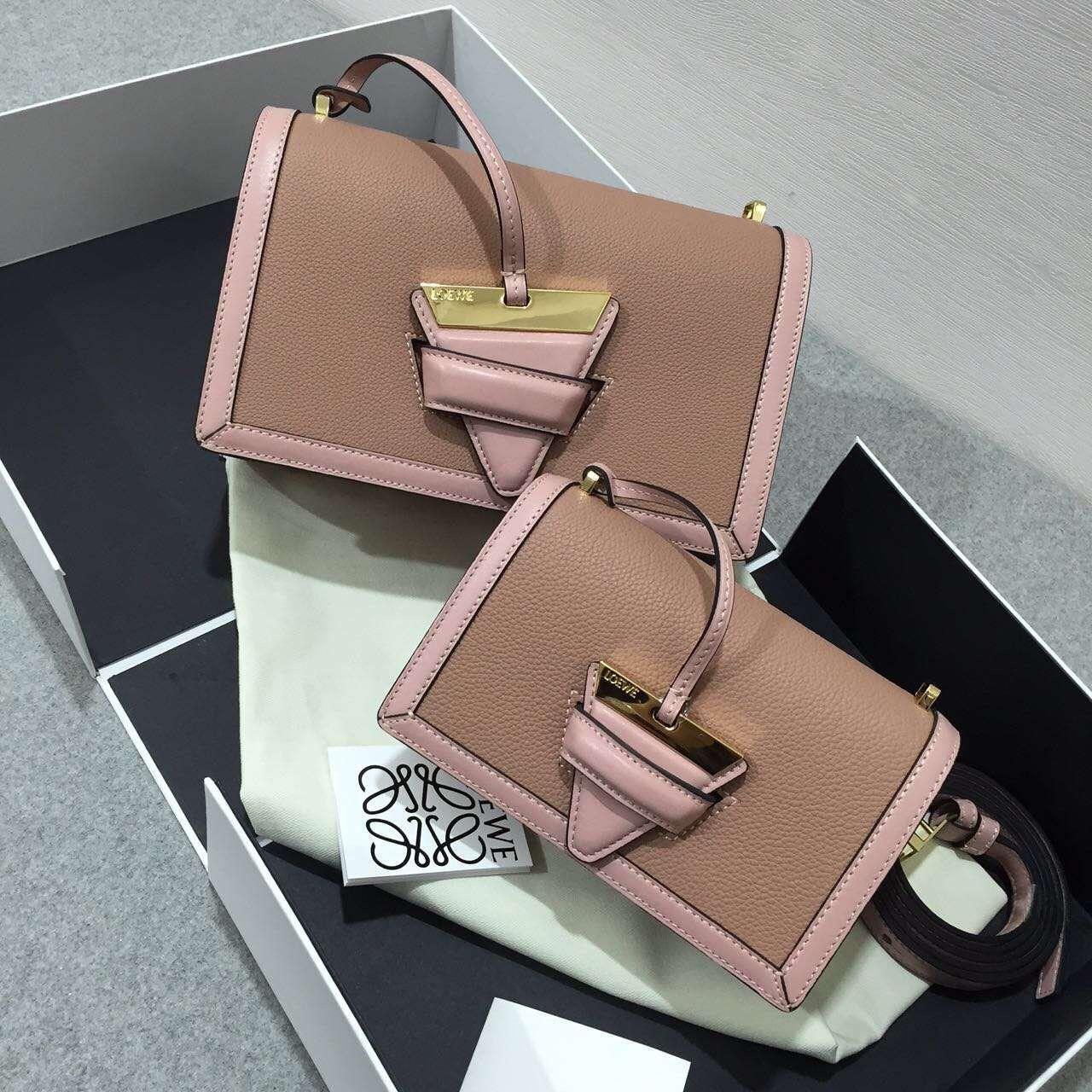 Loewe羅意威 巴塞羅那三角形包 Barcelona Bag blush