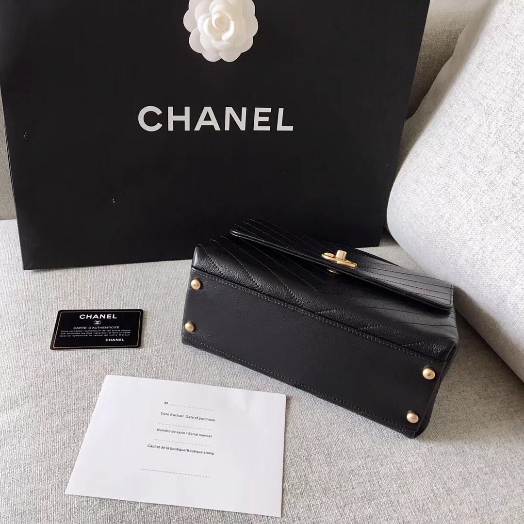 Chanel 2018春夏款口蓋包Flap bag 黑色顆粒壓花小牛皮、錦蛇皮