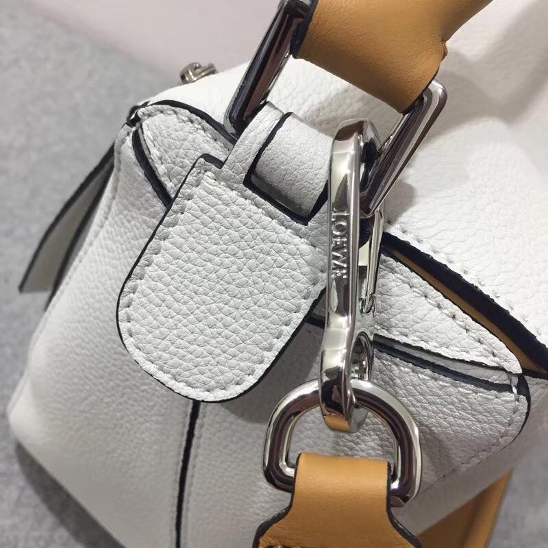 羅意威女包loewe Puzzle Bag Soft White/Amber Soft Grained Calf/Classic Ca