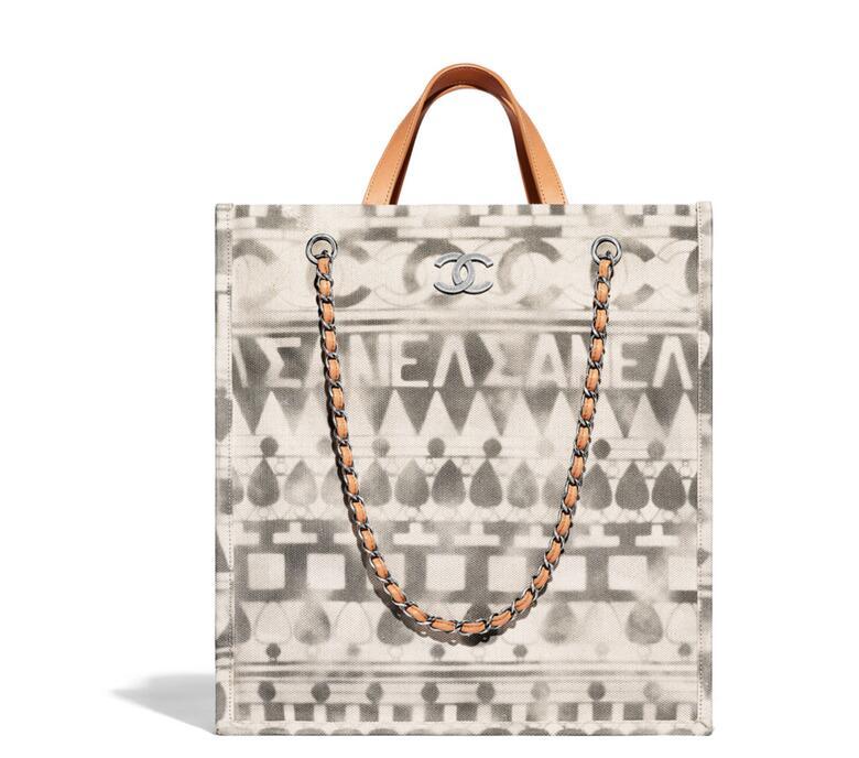 Chanel 2018春夏系列印花薄麻布小牛皮 beige米色 Small shopping bag小號購物包