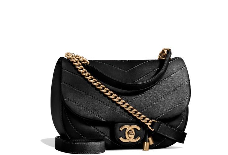 Chanel官網 2018春夏系列 黑色小牛皮與金屬口蓋包Flap Bag A57127