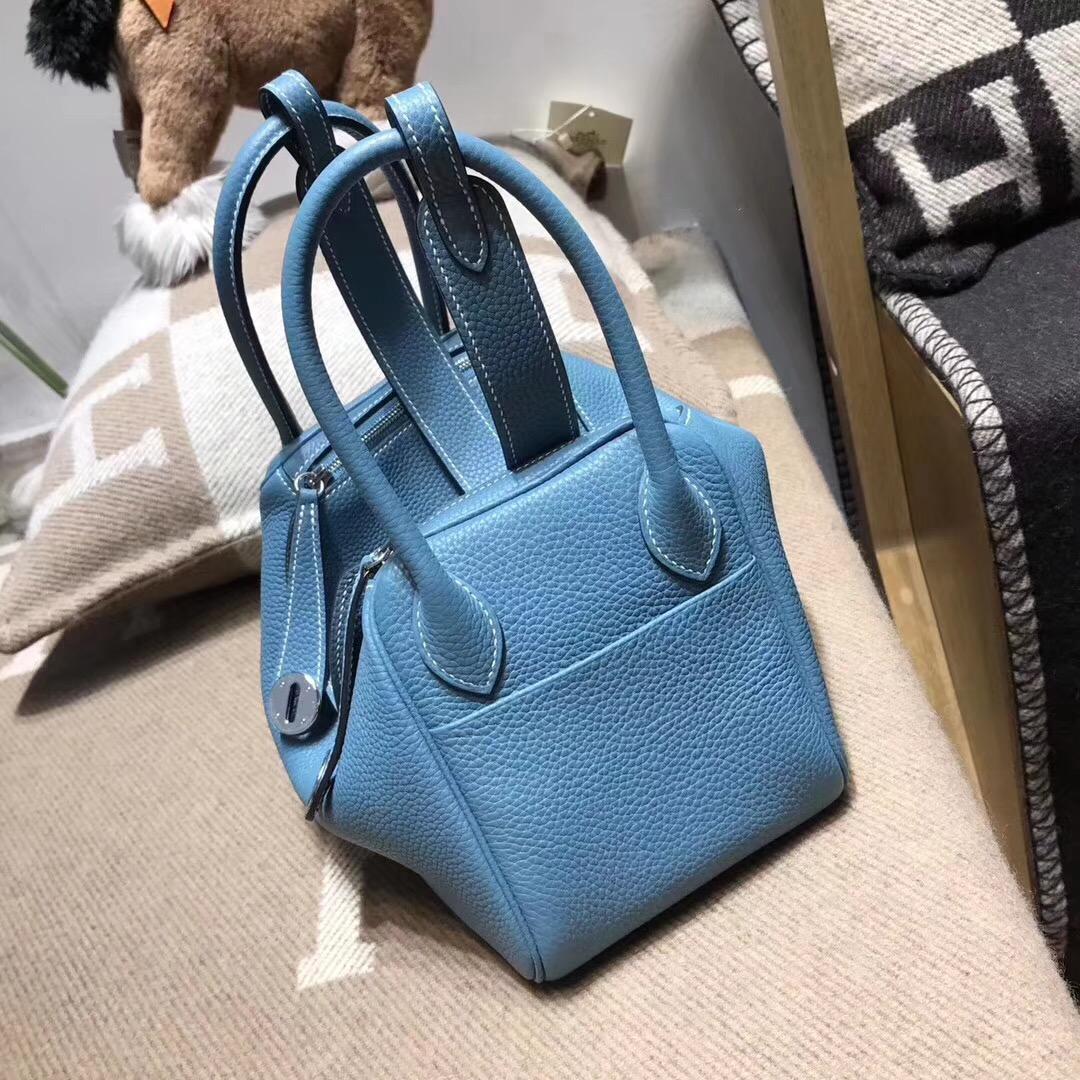 Hermes 具名媛風的包袋Lindy 26cm CK75 Blue Jean 牛仔藍 togo 小牛皮
