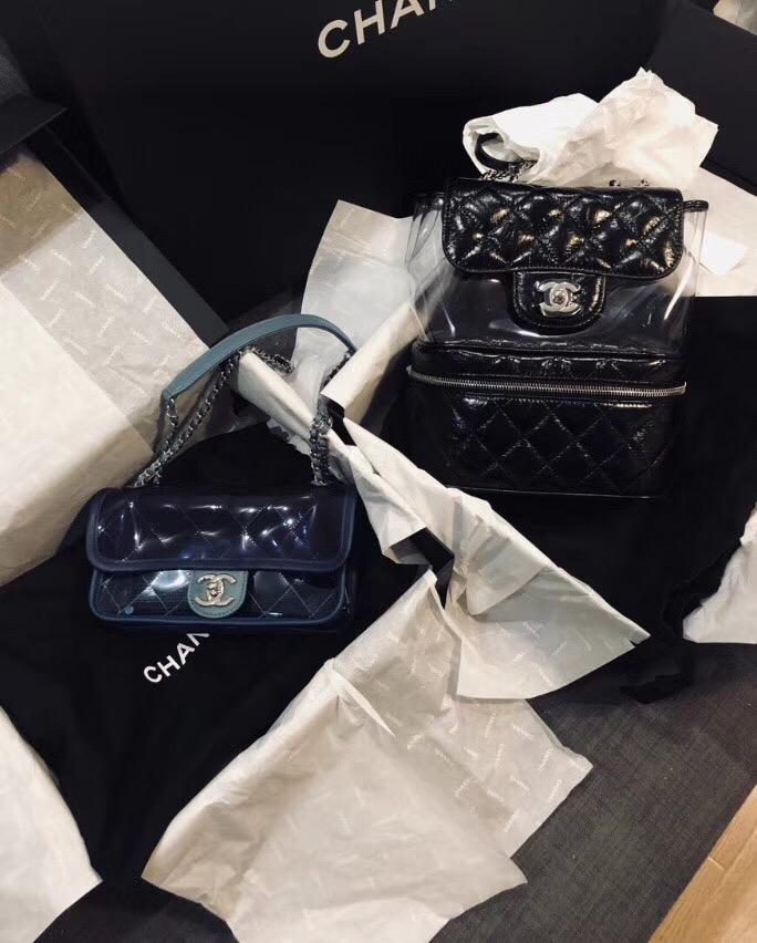 2018早春度 小香黑色皺紋小牛皮PVC材質 口蓋包Flap bag backpack bag