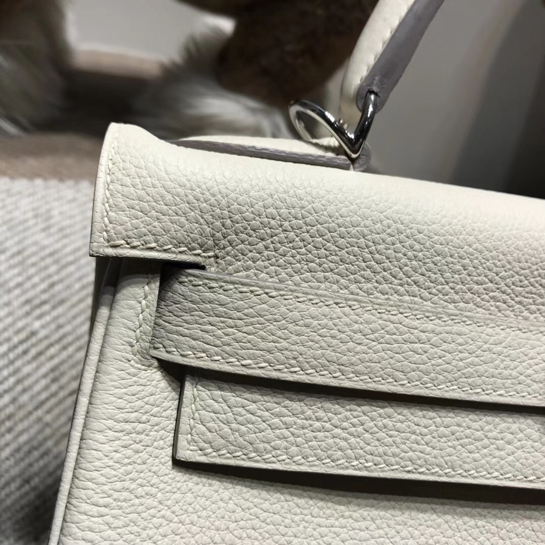Hermes凱莉包 Kelly 28cm Togo CK10 Craie 奶昔白銀扣內縫