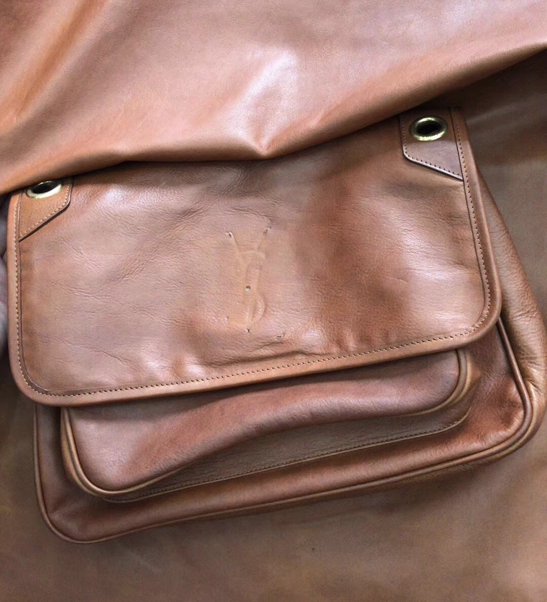 YSL Niki bags中號復古褶皺和絎縫幹邑色 COGNAC真皮 鏈條包 4989130