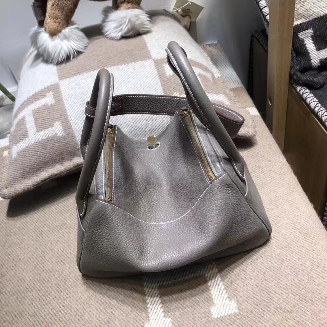 Hermes最具名媛風的包袋 Lindy 26cm CK81 Etoupe 銀扣 氣質高冷的深灰色