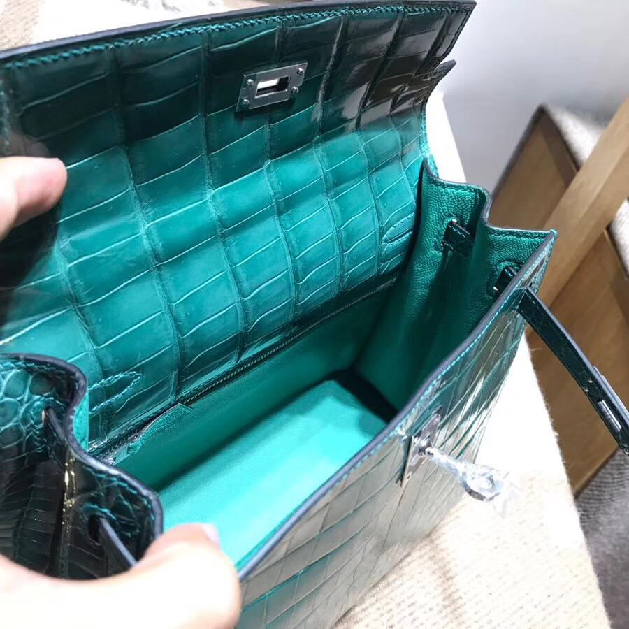 愛馬仕凱莉包Hermes Kelly 25 光面鱷魚野生皮革倒V 2Q 英國綠 Vert Anglais銀扣