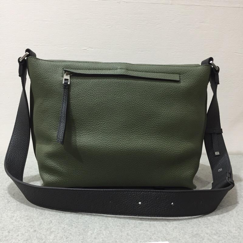 Loewe經典郵差包Military Messenger Bag Military Green/Black