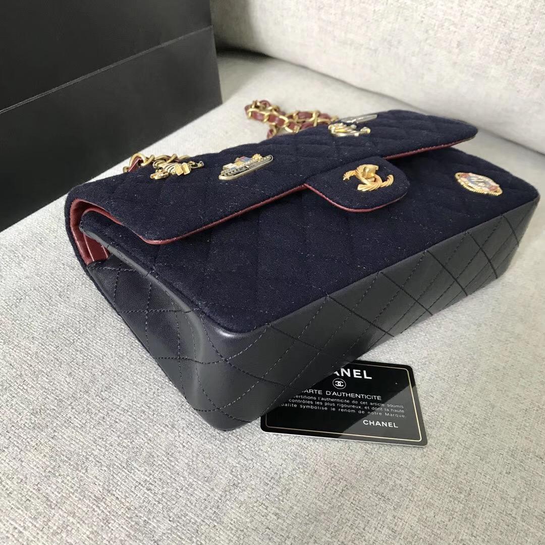 香奈兒 Classic Flap Bag口蓋包 海軍藍羊毛 小羊皮 吊飾與金色金屬