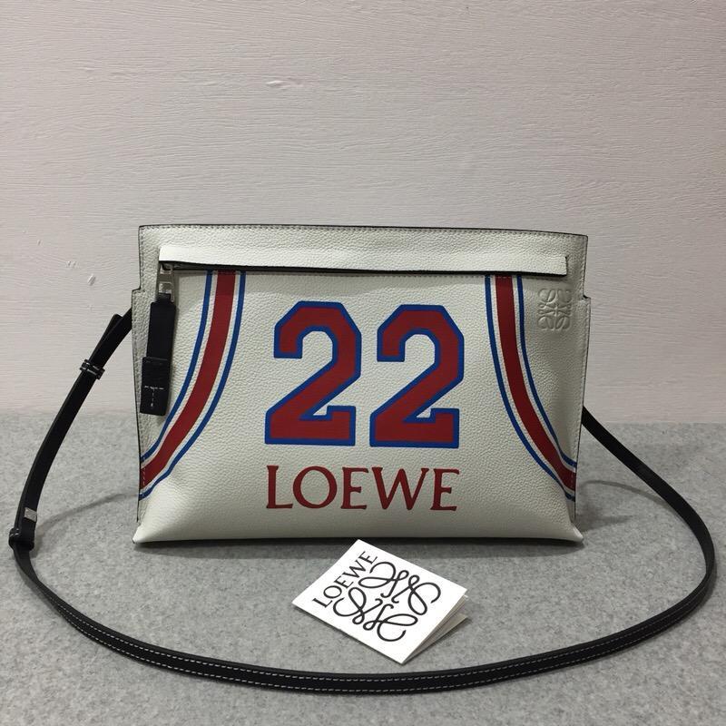 Loewe T Pouch Loewe 22 Bag Soft White/Red